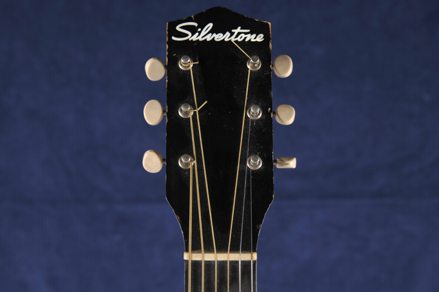 Silvertone_headstock-front